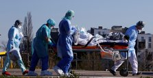 Worldwide virus toll passes 30,000, two thirds in Europe