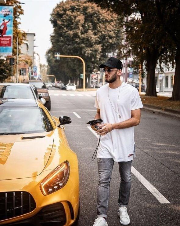 "Картинки по запросу Hakan Çalhanoğlu, ""Mercedes-AMG GT C Roadster v8"""
