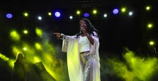 U.S. jazz singer Della Miles says 'blessed' to become a Muslim