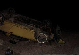Genç çift kazadan 5 saat sonra fark edildi