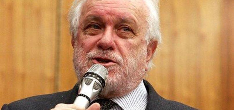 ITALIAN WRITER, DIRECTOR LUCIANO DE CRESCENZO DIES AT 90