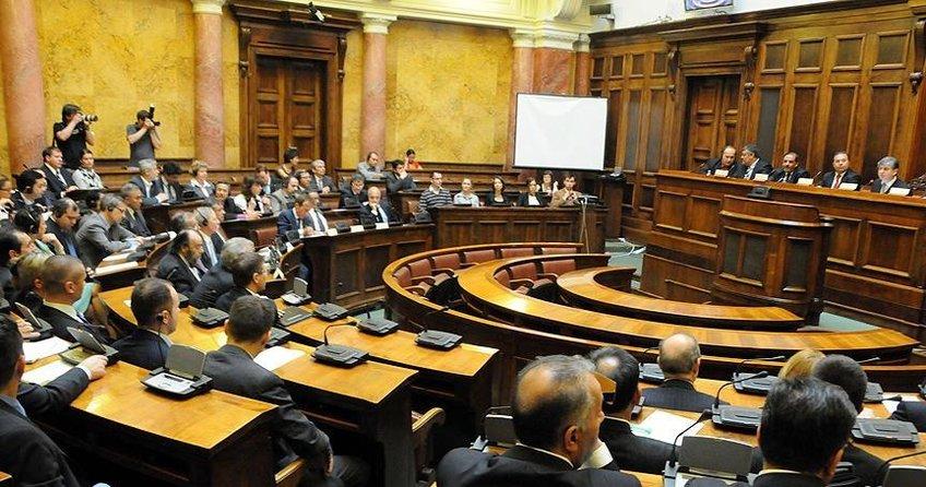 Sırbistan Meclisinden soykırım tasarısına ret
