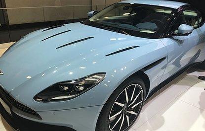 Acun Ilıcalı, İstanbul Autoshow'da yeni Aston Martin DB11 siparişi verdi