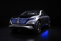 Mercedes-Benz overtakes BMW to become world's top luxury carmaker