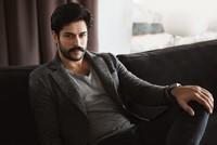 شارك الممثل التركي الشهير، بوراك أوزجيفيت، في فعالية فنية ثقافية في دبي قبل شهر. وقد تقاضى براق على مشاركته في الفعالية مبلغ 450 ألف دولار، وحصل على 600 ألف متابع عربي ليصبح أكثر المشاهير الأتراك...