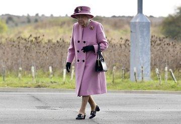 Kraliçe Elizabeth, tahttan inmeyecek
