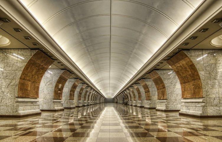 Moskova'nın galerileri andıran metro istasyonları(14.04.2018)