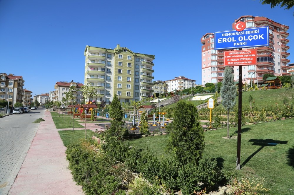 In tne central Nevu015fehir province, a park has been named after Professor Erol Olu00e7ok, a prominent figure in the advertising industry who lost his life during the failed coup attempt.