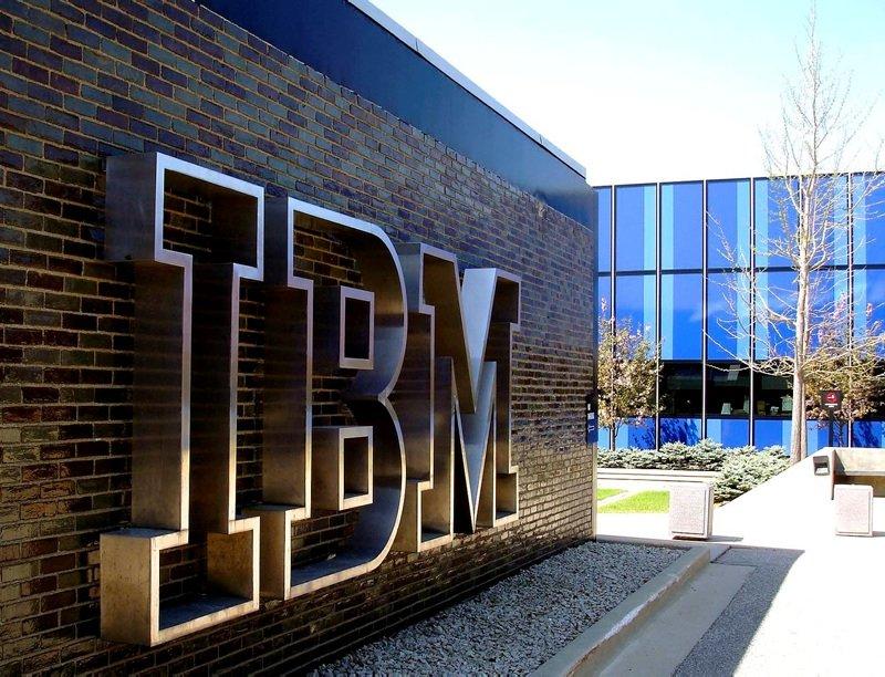 IBM, USB BELLEK KULLANIMINI YASAKLADI