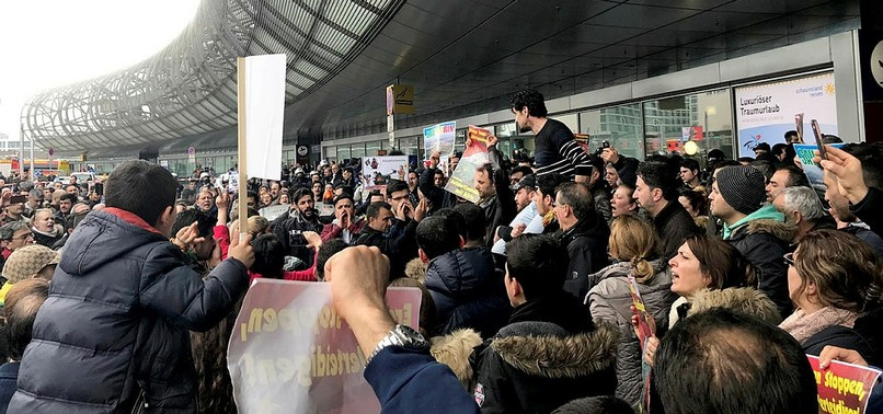 PKK SUPPORTERS CLASH WITH GERMAN POLICE, TURKS AT DUSSELDORF AIRPORT