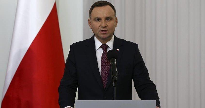 Polonya Cumhurbaşkanı tartışmalı yasayı imzaladı