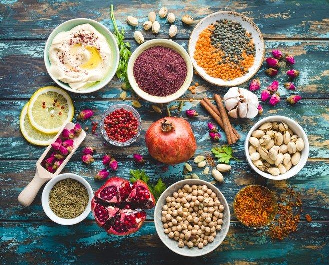 Mevsim geçişlerinde beslenmenize dikkat edin!