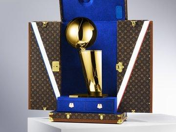NBA x Louis Vuitton: Şampiyonluk kupasına özel çanta!
