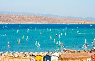 Never-ending wind makes Alaçatı a windsurfing heaven