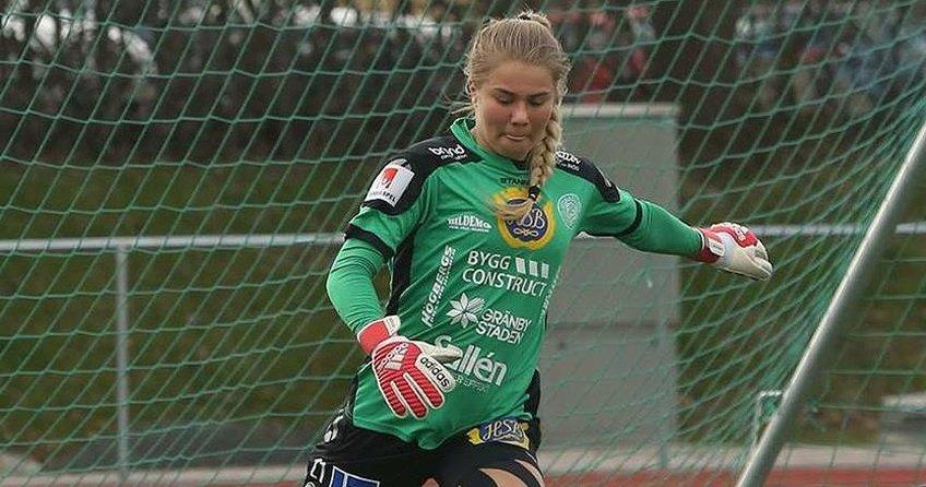 Müslüman olan kadın futbolcu İsveç gündeminde