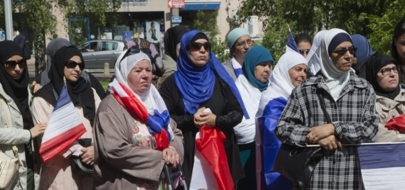 SURVEY SHOWS FRENCH CITIZENS OF ARAB ORIGIN FEEL EXCLUDED