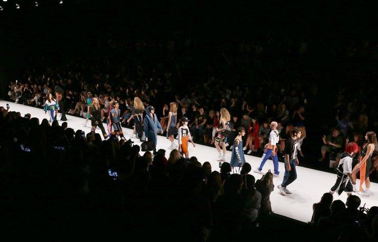 Mercedes-Benz Fashion Week Istanbul, 13. sezonuyla 19-22 Mart 2019 tarihleri arasında Zorlu Performans Sanatları Merkezi'nde gerçekleşiyor.