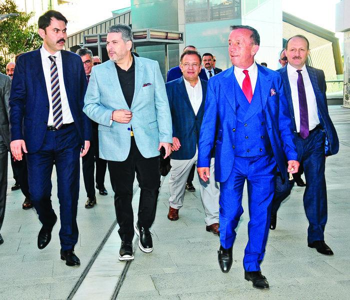 İŞ ORTAKLARINI İFTAR DAVETİNDE AĞIRLADI