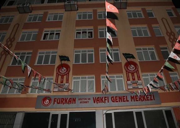 /turkiye/2018/02/09/furkan-vakfindan-deas-ve-el-kaide-cikti-1518183968