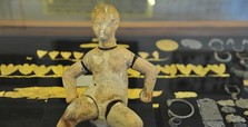 Rare 3,000-year-old doll attracts visitors