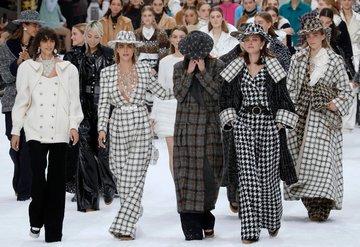 Gözyaşları içinde: Karl Lagerfeldin son Chanel şovu