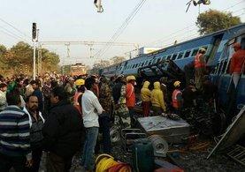 Hindistan'da feci tren kazası: 27 ölü