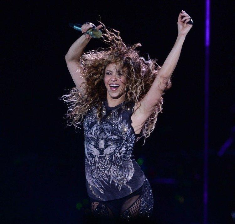 Shakira'dan dünya turnesinde enerjik şov