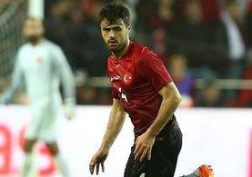 Defansın göbeğinde sıkıntı yaşayan Galatasaray Ahmet Çalık'ı bitirdi