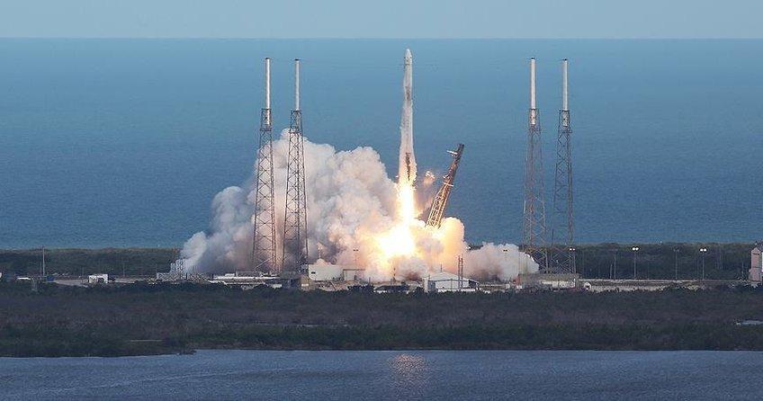 SpaceX kargo kapsülü uzaya fırlatıldı