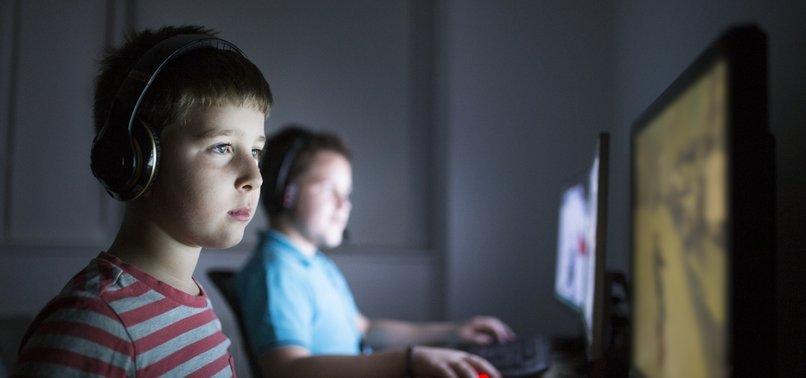 ONLINE GROOMERS TARGET VULNERABLE CHILDREN: EXPERT