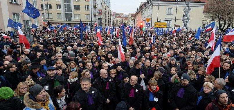 EU SEEKS TO SUSPEND CHAMBER DISCIPLINING POLISH JUDGES