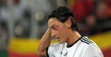 Mesut Özil's resignation sparks Germany racism storm