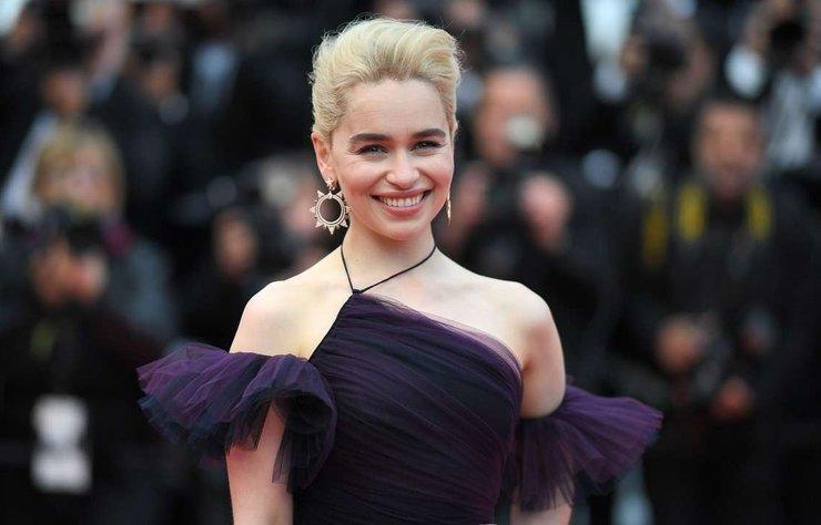 Game of Thrones dizisindeki Daenerys Targaryen rolüyle dünya çağında üne kavuşan Emilia Clarke bugün 32. yaşını kutluyor.