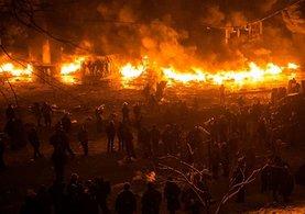 Ukrayna'da büyük yangın! Şehri boşaltıyorlar