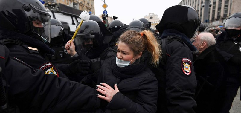 RUSSIAN POLICE DETAIN MORE THAN 2,600 PROTESTERS AT NAVALNY RALLIES - MONITOR