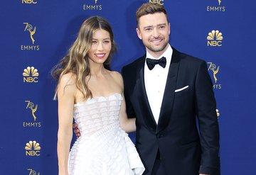 70. Emmy Ödülleri kırmızı halı şıklığı