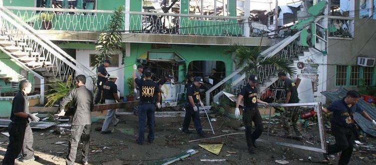 Filipinler'de camiye bombalı saldırı: 2 ölü