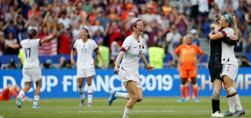 US WIN 4TH WORLD CUP TITLE, 2ND IN A ROW, BEAT DUTCH 2-0