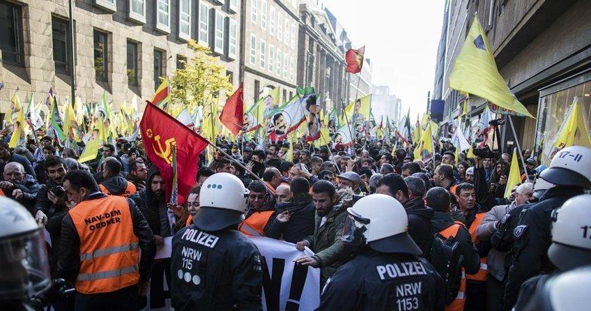 'PKK'lılar çifte taktik izliyor