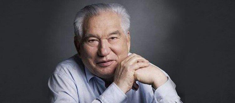 Selvi Boylum Al Yazmalım'ın yazarı: Cengiz Aytmatov