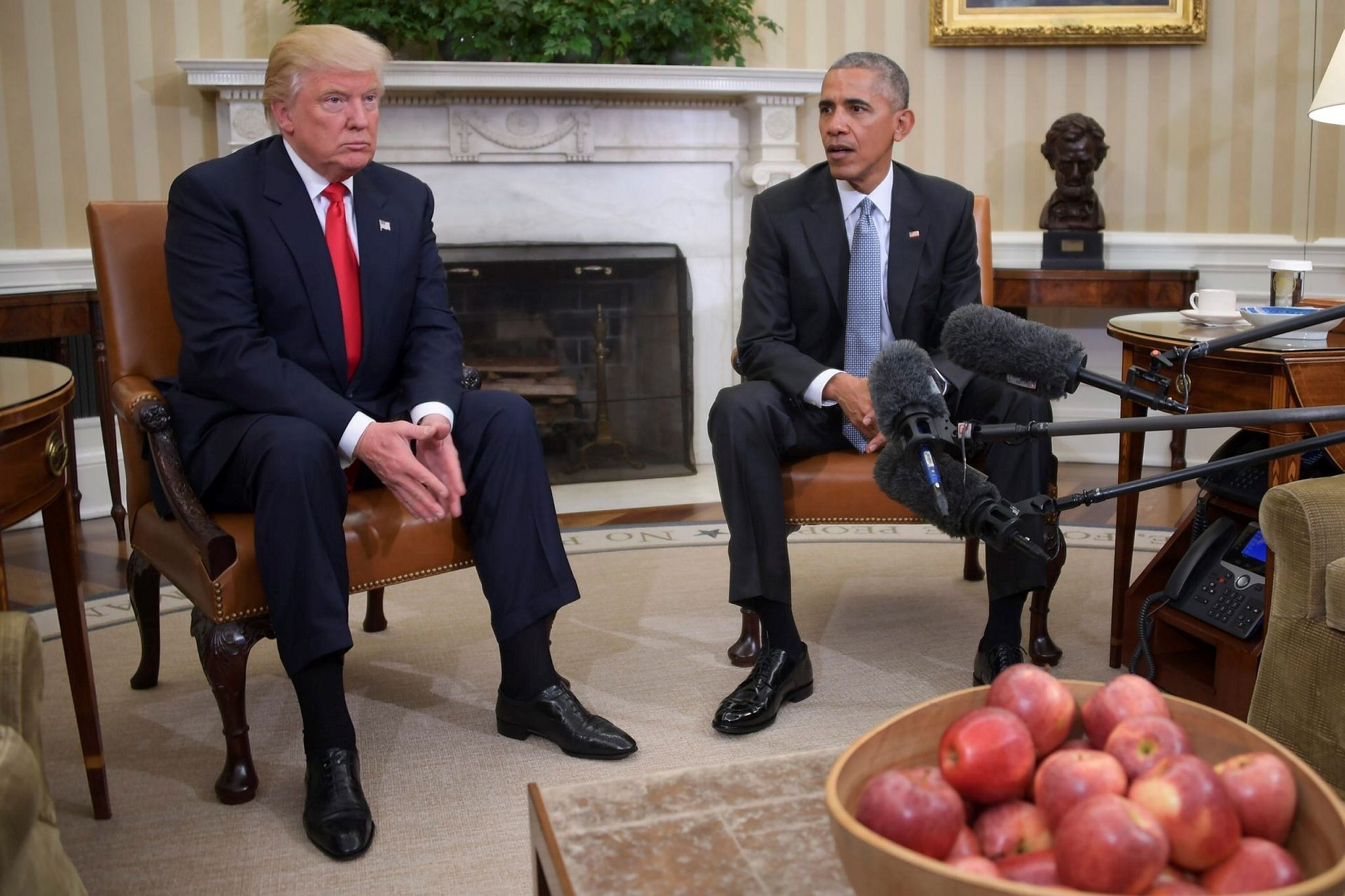 US President Barack Obama meetS with President-elect Donald Trump in the Oval Office at the White House in Washington, DC.