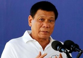 Filipinler Devlet Başkanı Rodrigo Duterte'nin konvoyuna bomba