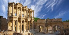 Turkey: Ancient city of Ephesus limits visitor numbers