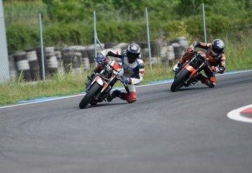 Milli motosikletçi Deniz Öncü İspanya'da piste çıkacak