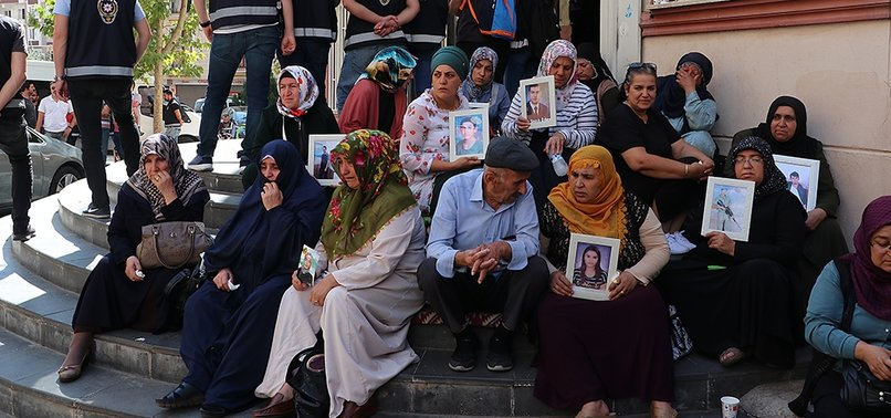 SUPPORT FOR KURDISH MOTHERS PROTESTING HDP GROWS ACROSS SOCIETY