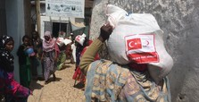 Humanitarian aid spending makes Turkey most charitable country