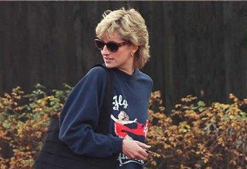 Prenses Diana'nın sweatshirt'ü satıldı