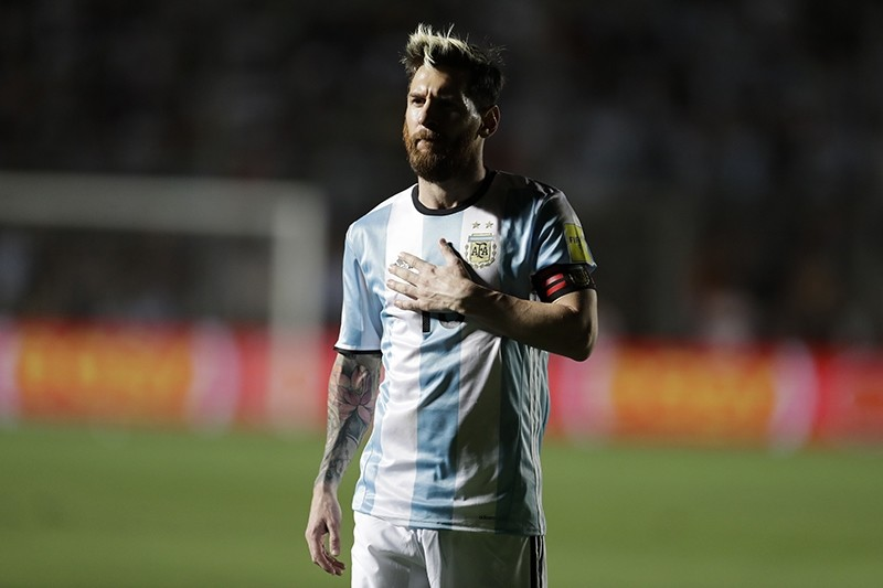 Argentina's Lionel Messi gestures during their 2018 FIFA World Cup qualifier football match against Colombia in San Juan, Argentina, on November 15, 2016. (AFP Photo)