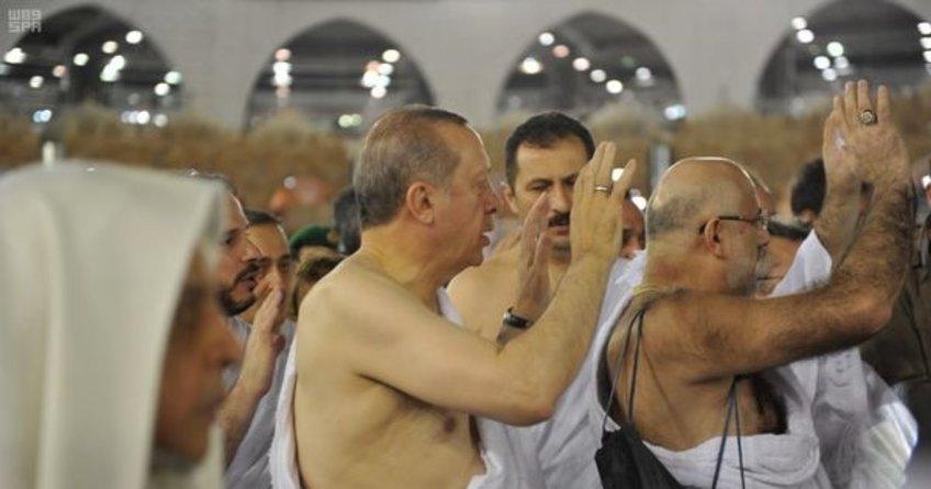 Cumhurbaşkanı Recep Tayyip Erdoğan kabeyi ziyaret etti